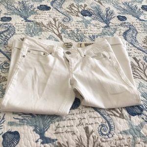 Size 7 white Capris
